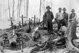 LAC Graves of Victims of Great Forest Fire 1911 MIKAN no. 3298974