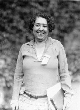 Lina_Solomonova_Stern_(1878-1968)_(12484743704)